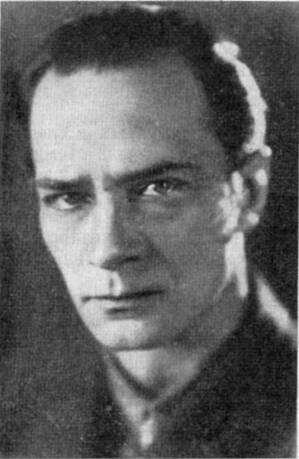 В традициях А. Левицкого работал и я, его ученик, который также применил «рембрандтовское» освещение в фильме «Мать»