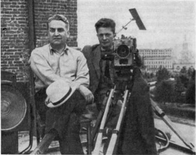 Оператор Ю. Екельчик (справа) и режиссер Г. Александров